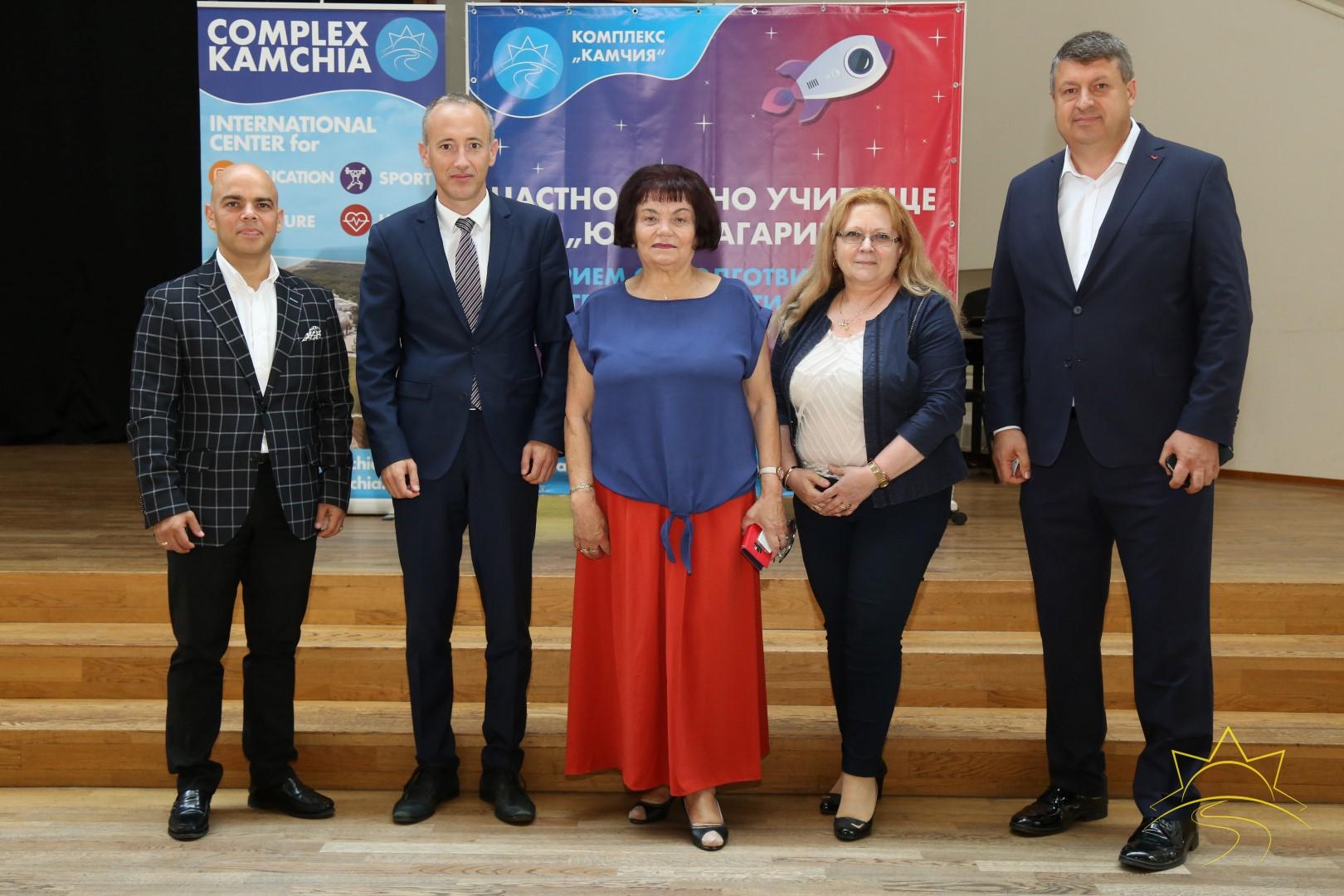 """Министърът на образованието и науката Красимир Вълчев награди учители в """"Камчия"""""""
